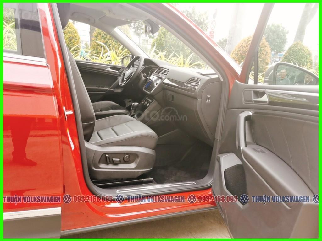 [Volkswagen Trường Chinh lì xì trước bạ khi đặt cọc T2/2021 LH Mr Thuận ] Tiguan Luxury S màu đỏ giao ngay+ gói phụ kiện (3)