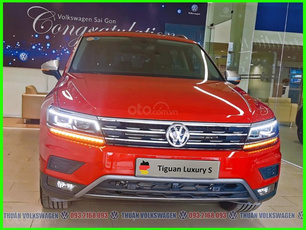 [Volkswagen Vũng Tàu lì xì trước bạ khi đặt cọc T2/2020 LH Mr Thuận ] Tiguan Luxury S màu đỏ giao ngay + gói phụ kiện (1)