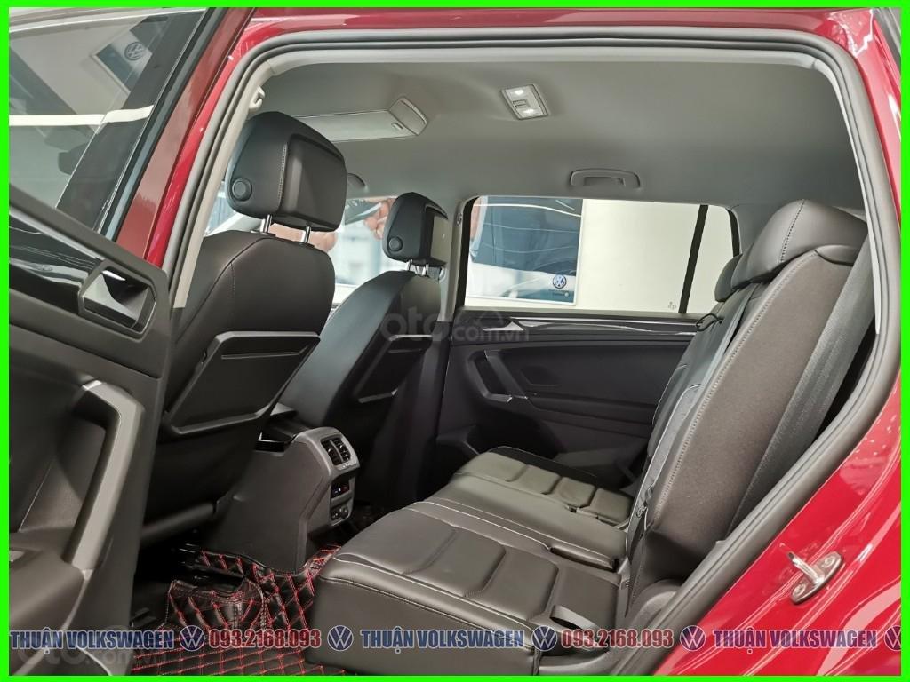 [Volkswagen Vũng Tàu lì xì trước bạ khi đặt cọc T2/2020 LH Mr Thuận ] Tiguan Luxury S màu đỏ giao ngay + gói phụ kiện (7)