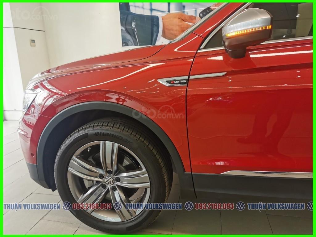 [Volkswagen Vũng Tàu lì xì trước bạ khi đặt cọc T2/2020 LH Mr Thuận ] Tiguan Luxury S màu đỏ giao ngay + gói phụ kiện (6)