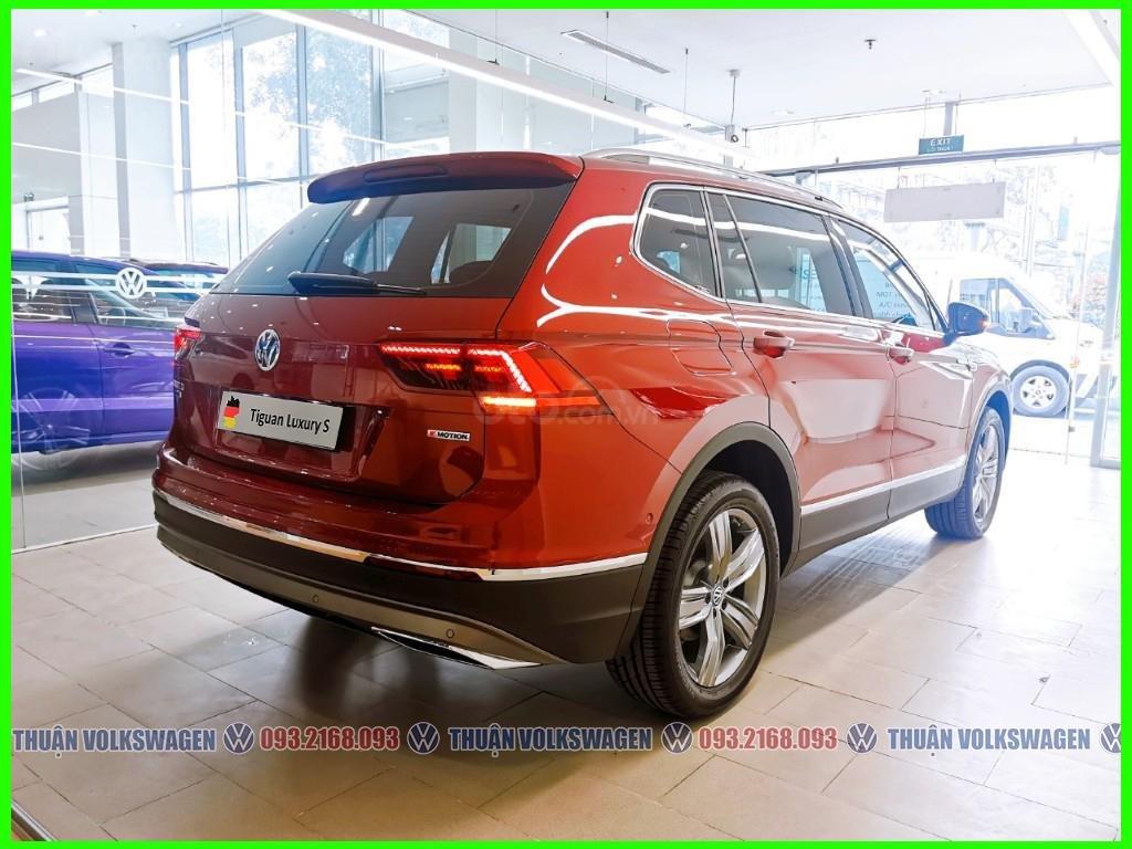 [Volkswagen Vũng Tàu lì xì trước bạ khi đặt cọc T2/2020 LH Mr Thuận ] Tiguan Luxury S màu đỏ giao ngay + gói phụ kiện (5)