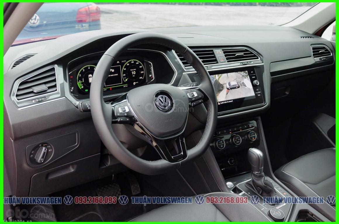 [Volkswagen Vũng Tàu lì xì trước bạ khi đặt cọc T2/2020 LH Mr Thuận ] Tiguan Luxury S màu đỏ giao ngay + gói phụ kiện (9)