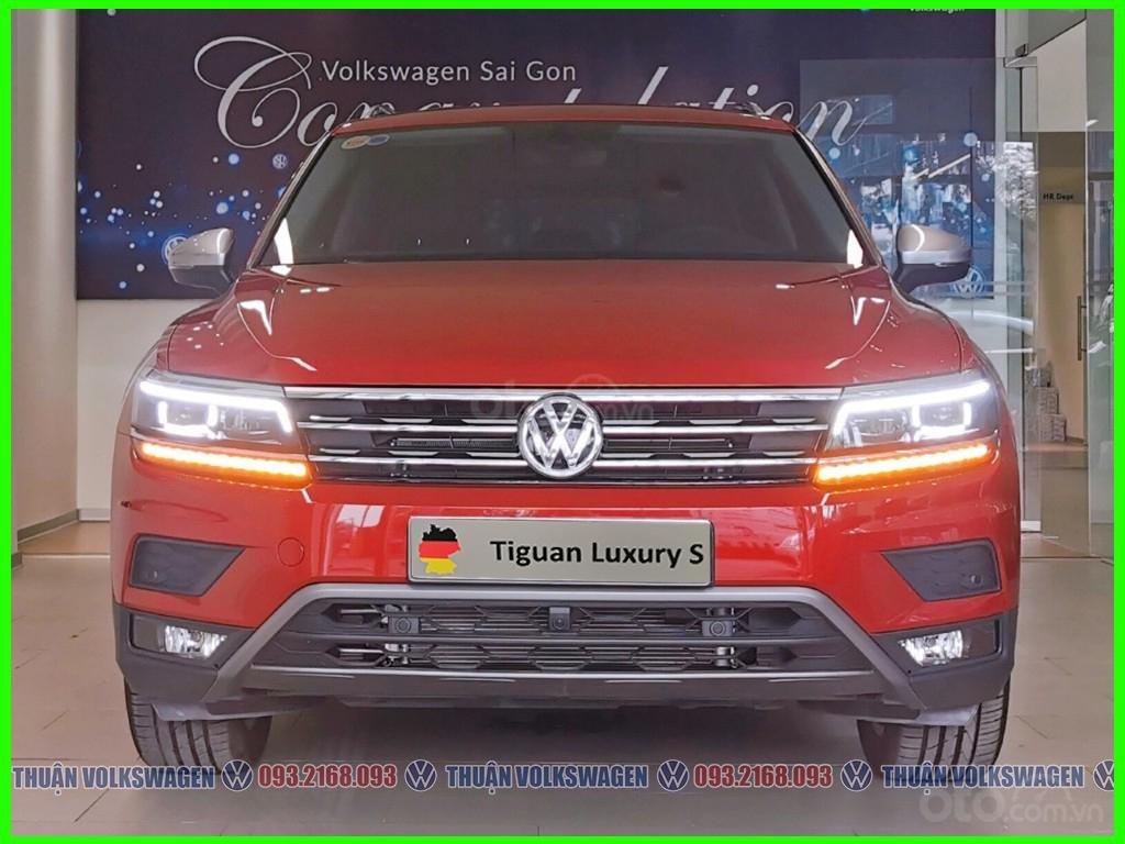[Volkswagen Vũng Tàu lì xì trước bạ khi đặt cọc T2/2020 LH Mr Thuận ] Tiguan Luxury S màu đỏ giao ngay + gói phụ kiện (3)