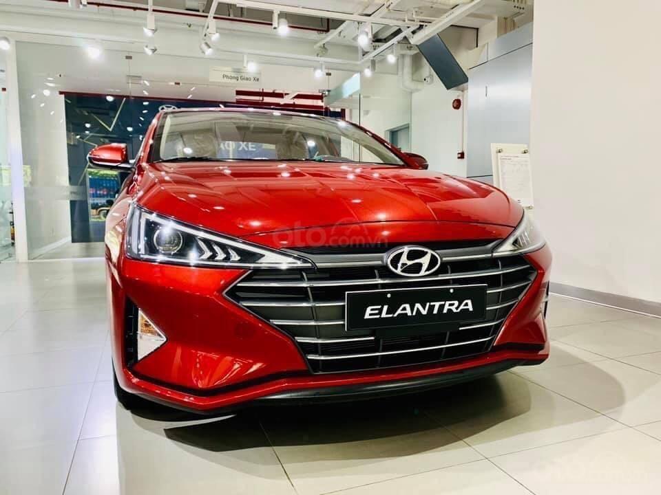Cần bán Hyundai Elantra 2.0 AT đặc biệt sản xuất 2020, giá 686tr (1)