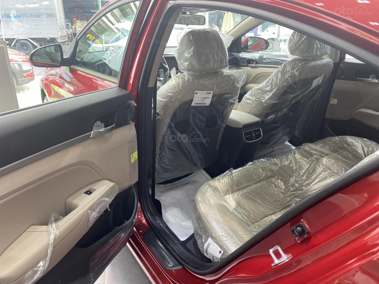 Cần bán Hyundai Elantra 2.0 AT đặc biệt sản xuất 2020, giá 686tr (9)