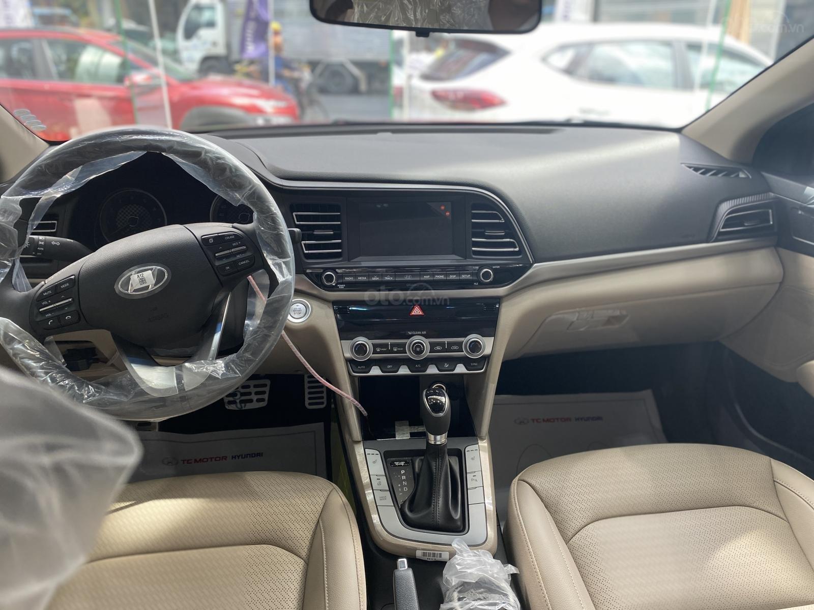 Cần bán Hyundai Elantra 2.0 AT đặc biệt sản xuất 2020, giá 686tr (10)
