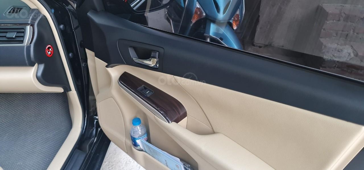 Bán Toyota Camry 2019 bản 2.0 E cực đẹp, 1 chủ từ đầu, màu đen siêu lướt, giá tốt Hà Nội (4)