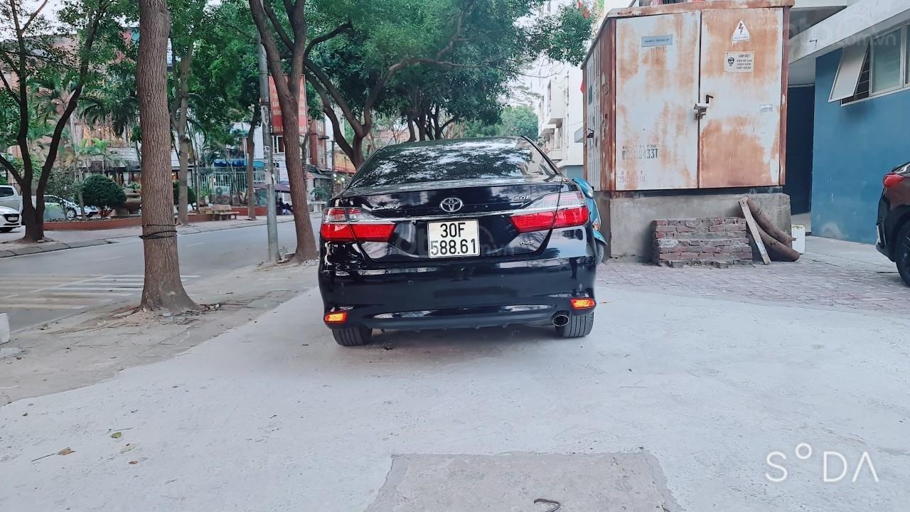 Bán Toyota Camry 2019 bản 2.0 E cực đẹp, 1 chủ từ đầu, màu đen siêu lướt, giá tốt Hà Nội (3)