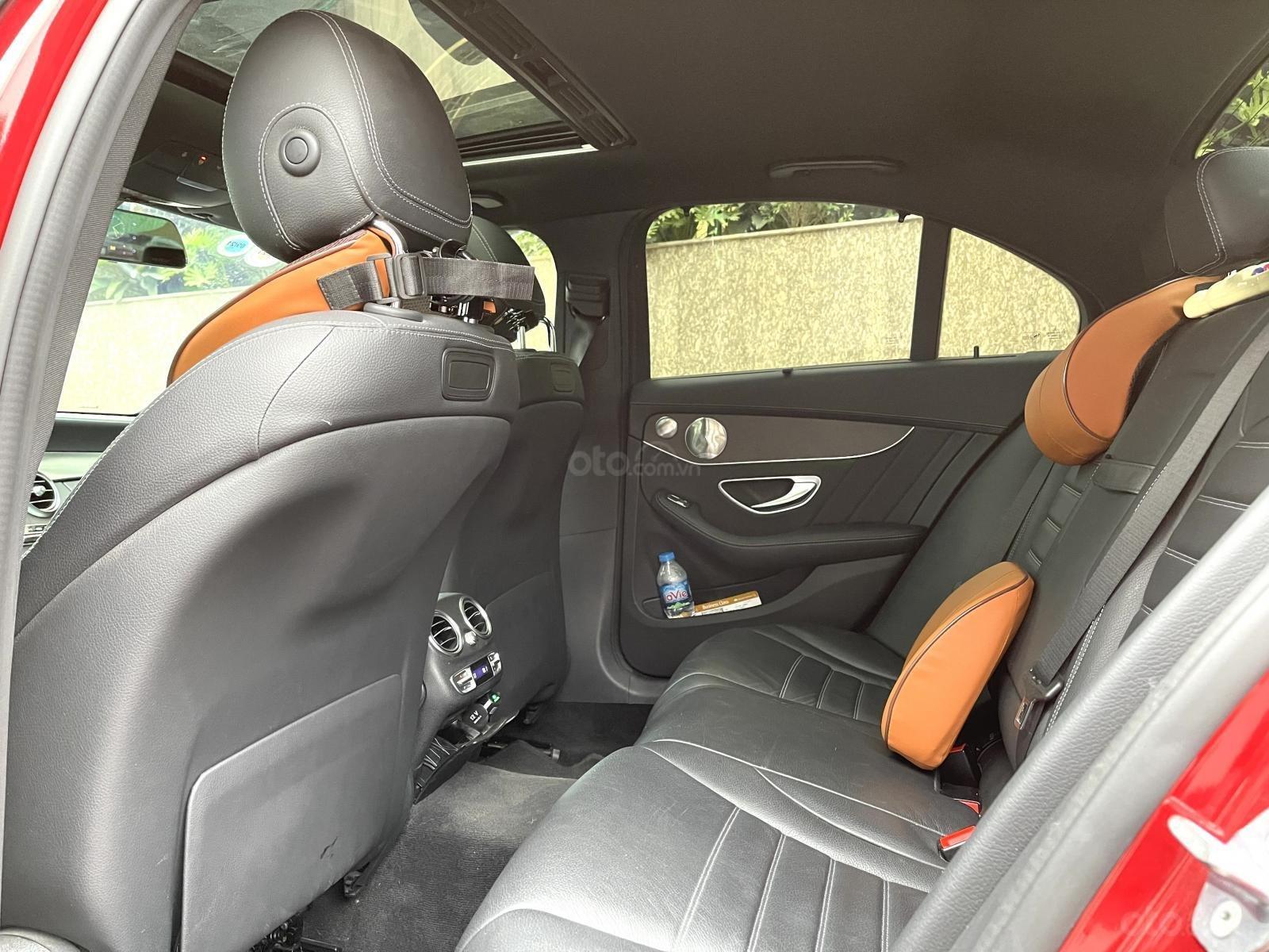 Mercedes Benz C300 AMG model 2019 sản xuất 2018 (7)