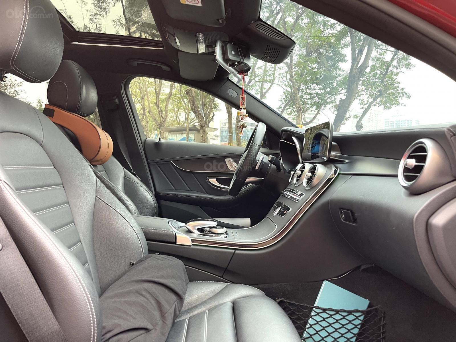Mercedes Benz C300 AMG model 2019 sản xuất 2018 (9)