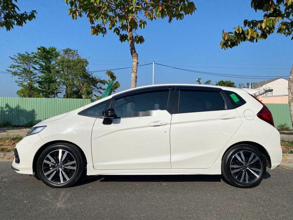 Cần bán lại xe Honda Jazz sản xuất 2018, màu trắng, xe nhập  (3)
