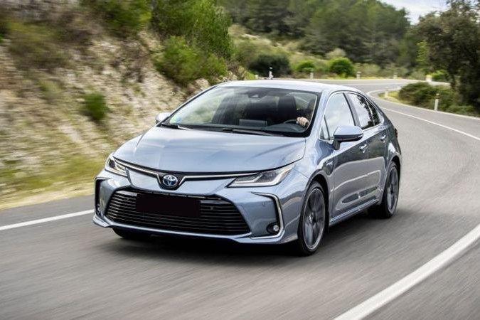 Xe Toyota Corolla Altis mới - Ảnh 1.