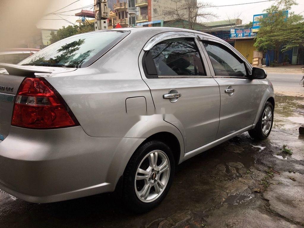 Bán Chevrolet Aveo sản xuất năm 2015, màu bạc (3)