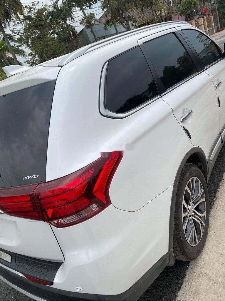 Cần bán xe Mitsubishi Outlander năm 2019, màu trắng  (6)