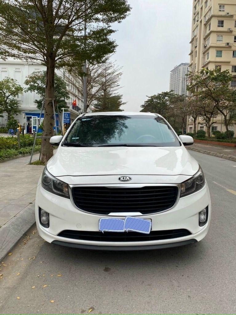 Bán Kia Sedona năm sản xuất 2016, màu trắng chính chủ, giá 745tr (4)