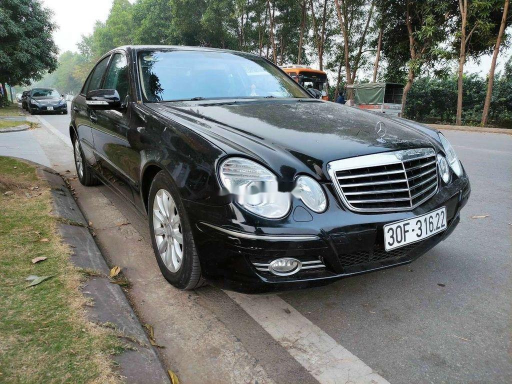Cần bán lại xe Mercedes E 240 sản xuất 2003, màu đen, xe nhập (3)