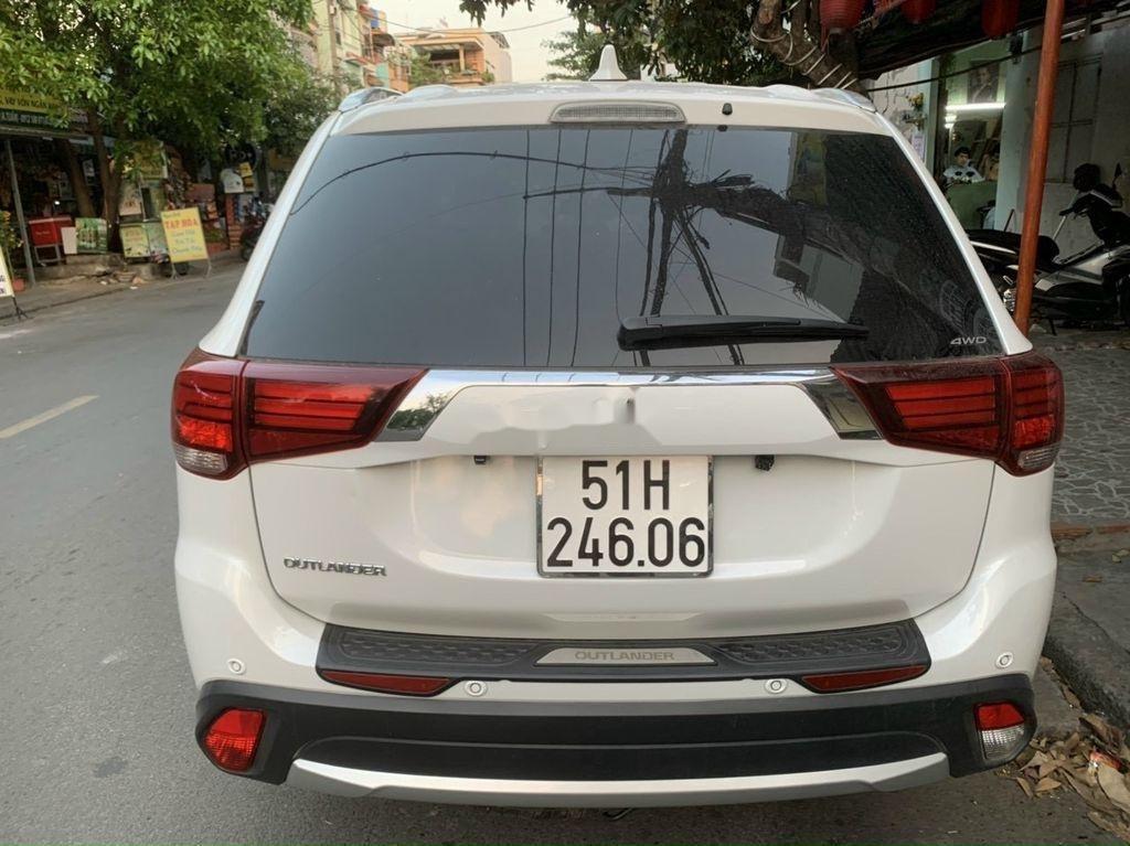 Cần bán xe Mitsubishi Outlander năm 2019, màu trắng  (3)