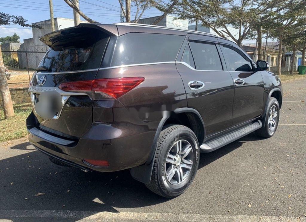 Cần bán lại xe Toyota Fortuner sản xuất năm 2017, 805tr (1)