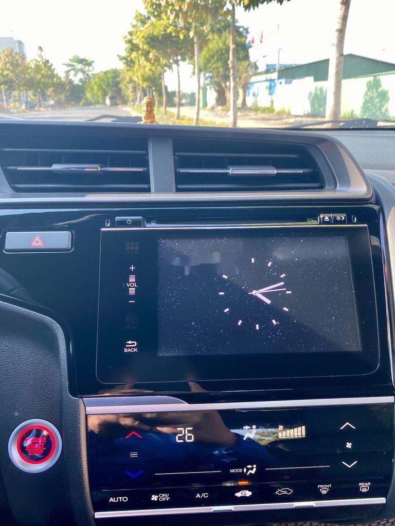 Cần bán lại xe Honda Jazz sản xuất 2018, màu trắng, xe nhập  (9)