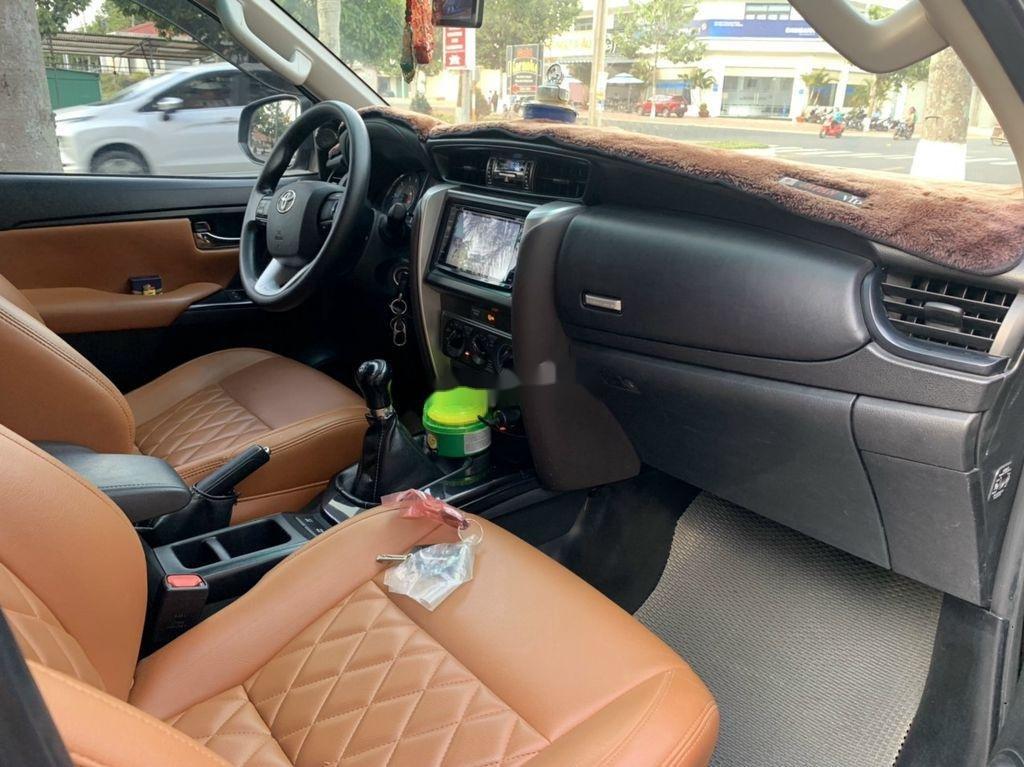 Cần bán lại xe Toyota Fortuner sản xuất năm 2017, 805tr (6)