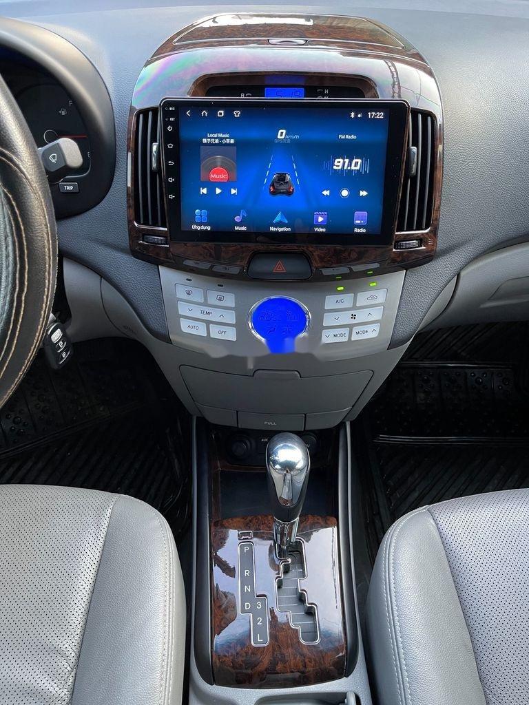 Cần bán lại xe Hyundai Avante 2014, màu xám, giá chỉ 398 triệu (8)