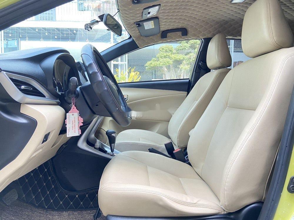 Cần bán lại xe Toyota Yaris 1.5G CVT 2019, màu vàng (9)