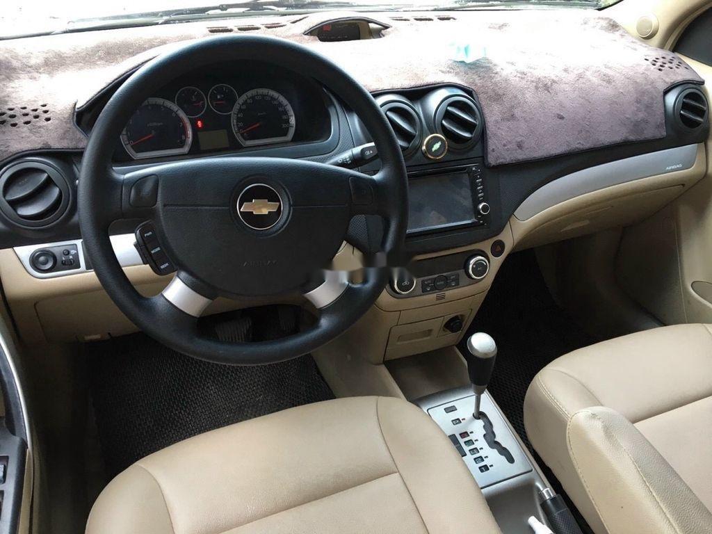 Bán Chevrolet Aveo sản xuất năm 2015, màu bạc (6)