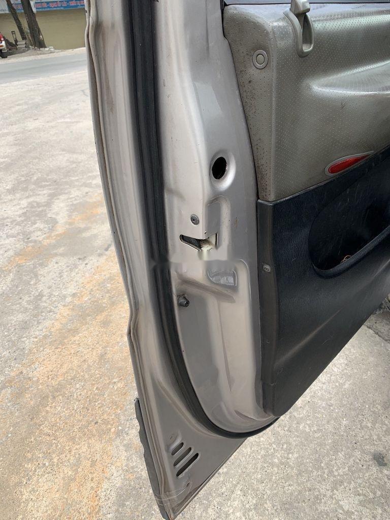 Cần bán gấp Hyundai Grand Starex năm 2004, màu ghi bạc (7)