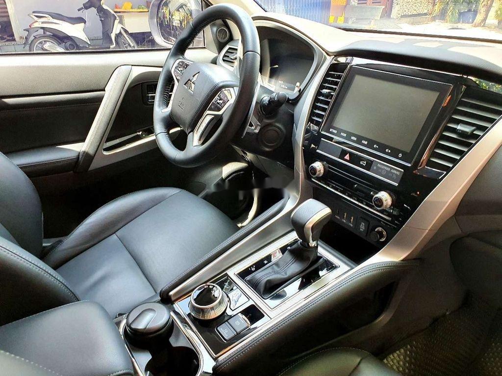 Bán Mitsubishi Pajero Sport năm 2020, màu đen, nhập khẩu (3)