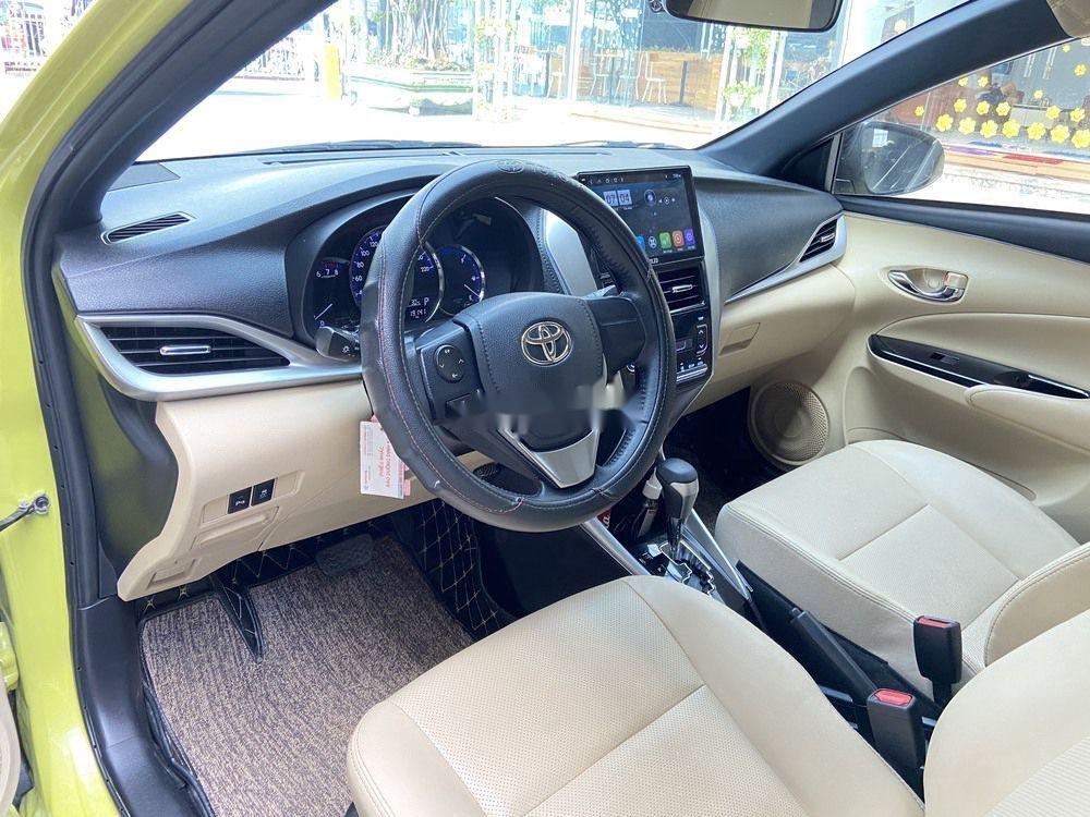 Cần bán lại xe Toyota Yaris 1.5G CVT 2019, màu vàng (8)