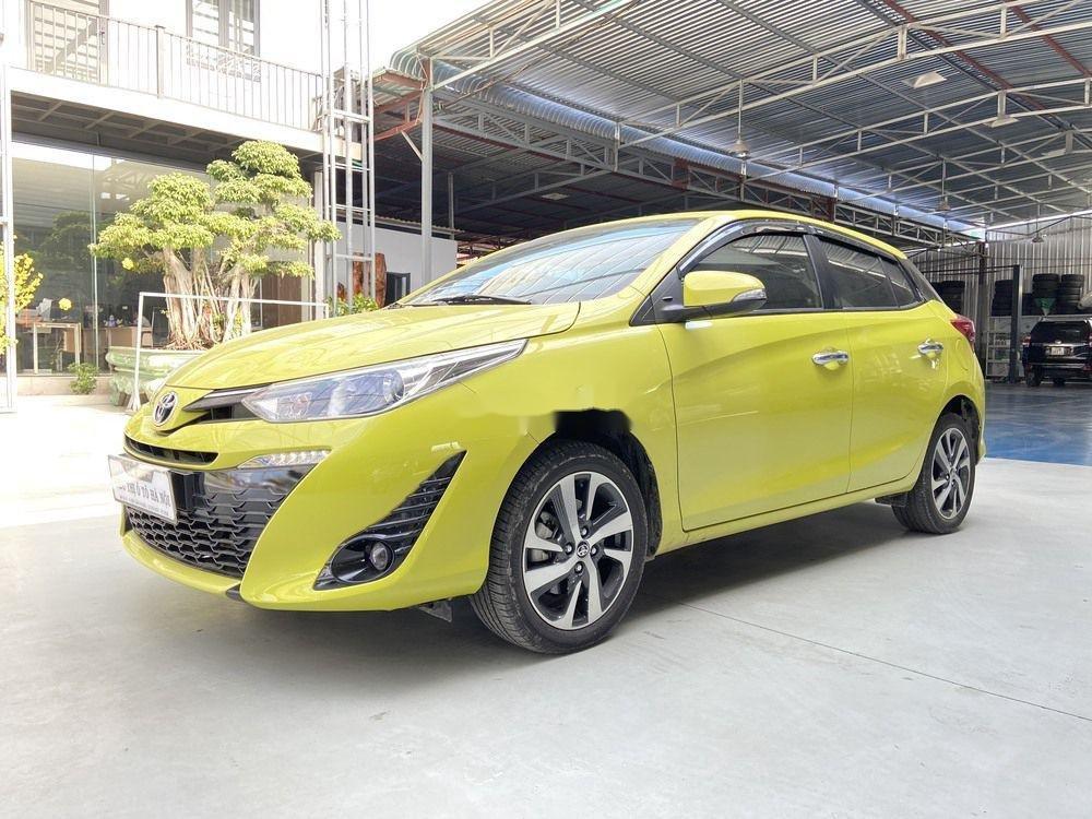 Cần bán lại xe Toyota Yaris 1.5G CVT 2019, màu vàng (3)