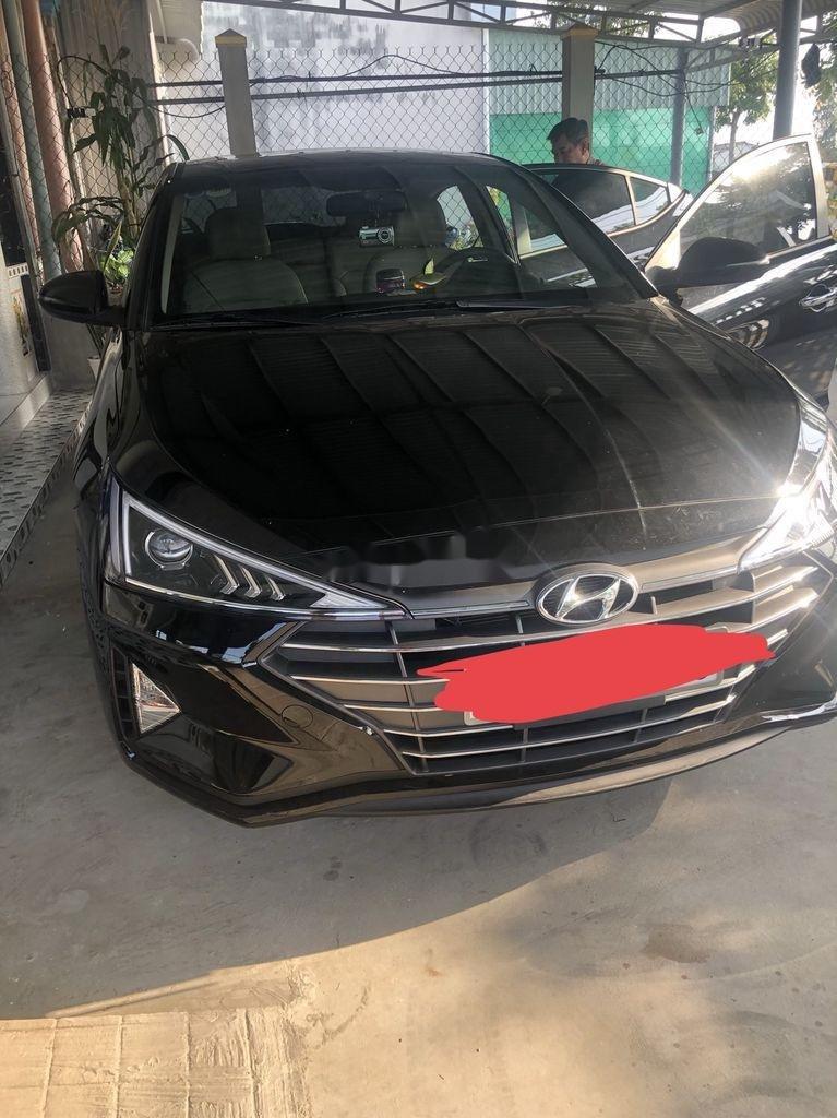 Cần bán xe Hyundai Elantra năm 2020 còn mới, giá 620tr (1)