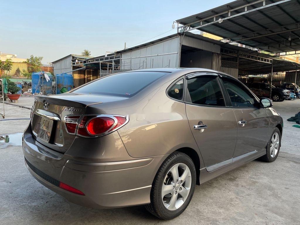 Cần bán lại xe Hyundai Avante 2014, màu xám, giá chỉ 398 triệu (4)