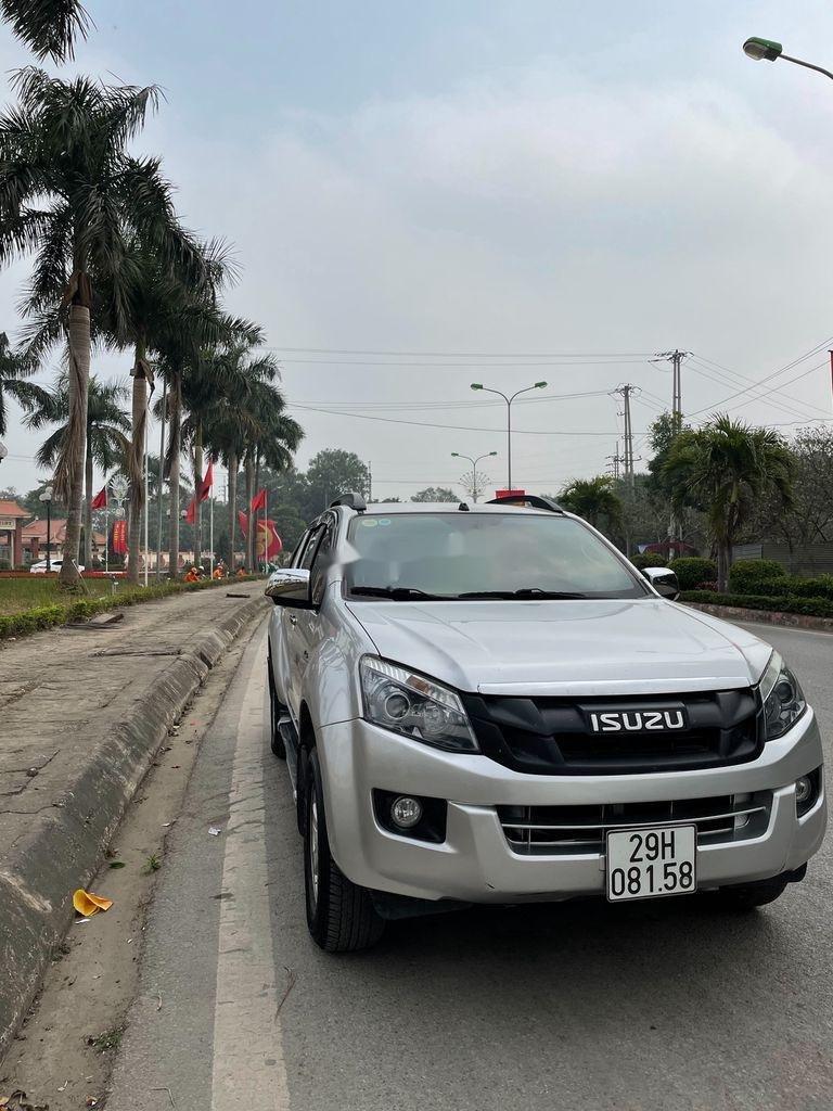 Bán ô tô Isuzu Dmax đời 2016, màu bạc, nhập khẩu  (1)