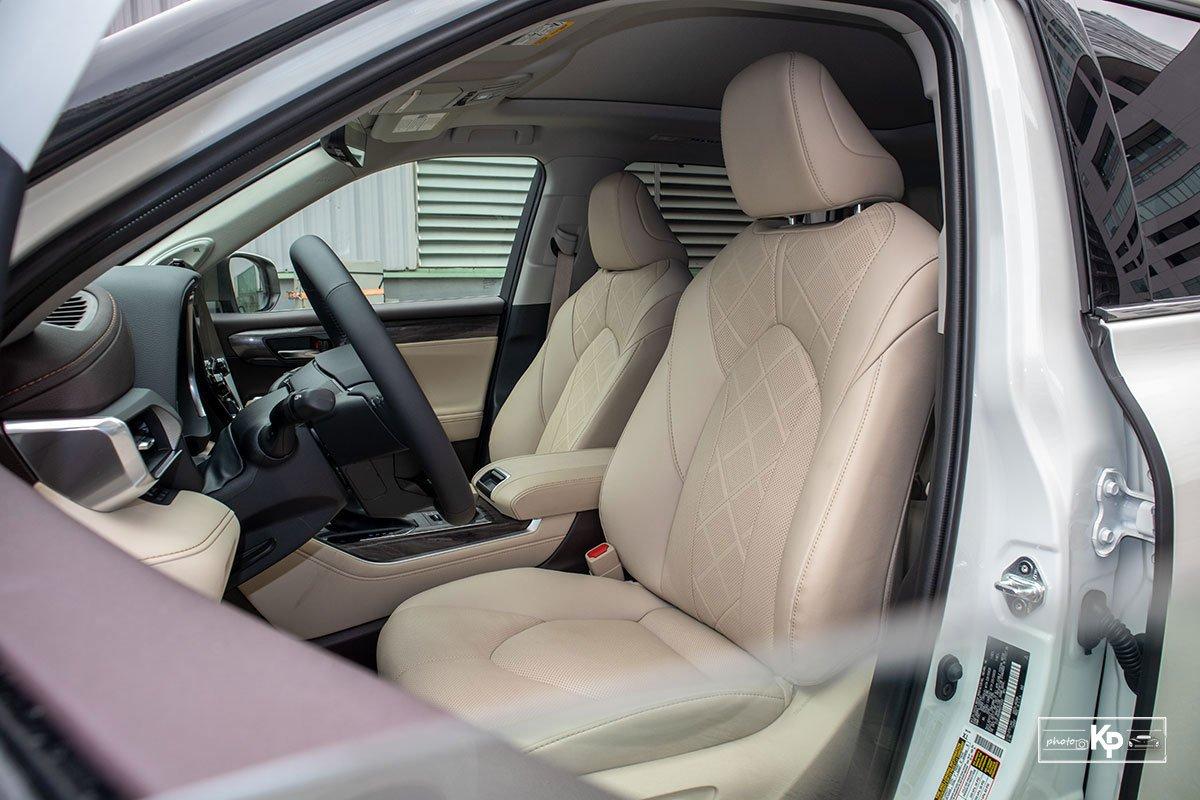 Ảnh Ghế trước xe Toyota Highlander 2021