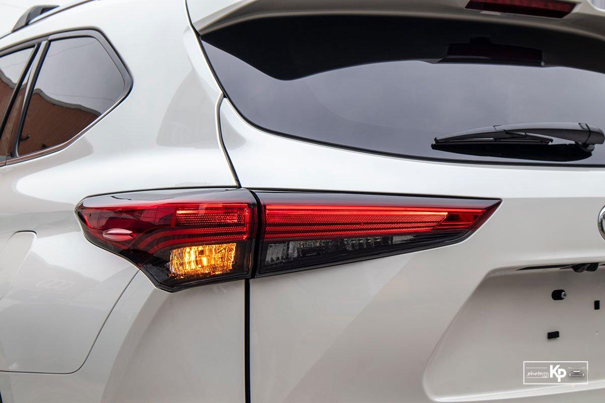 Ảnh Đèn hậu xe Toyota Highlander 2021