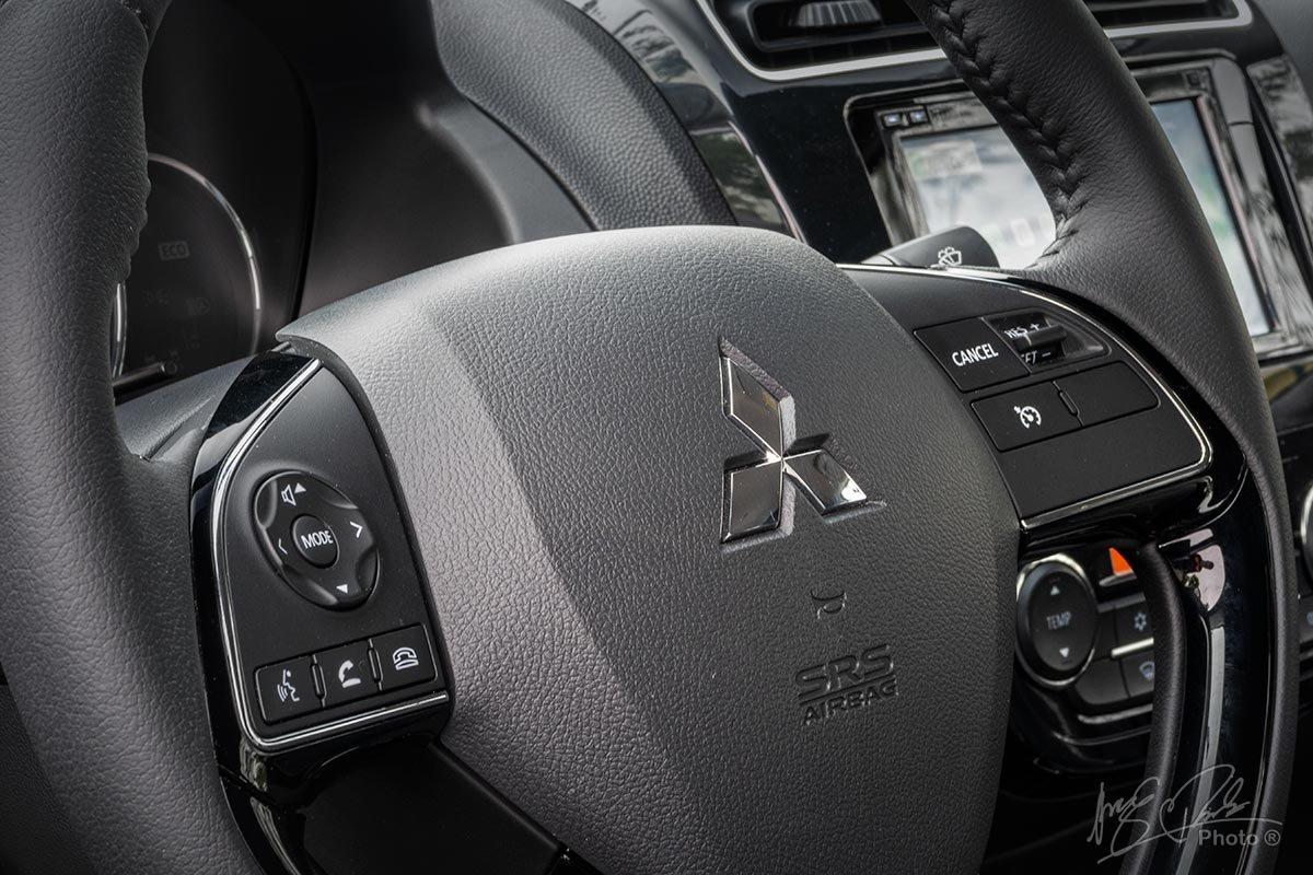 Nút điều khiển tích hợp trên vô lăng xe Mitsubishi Attrage 2021 1