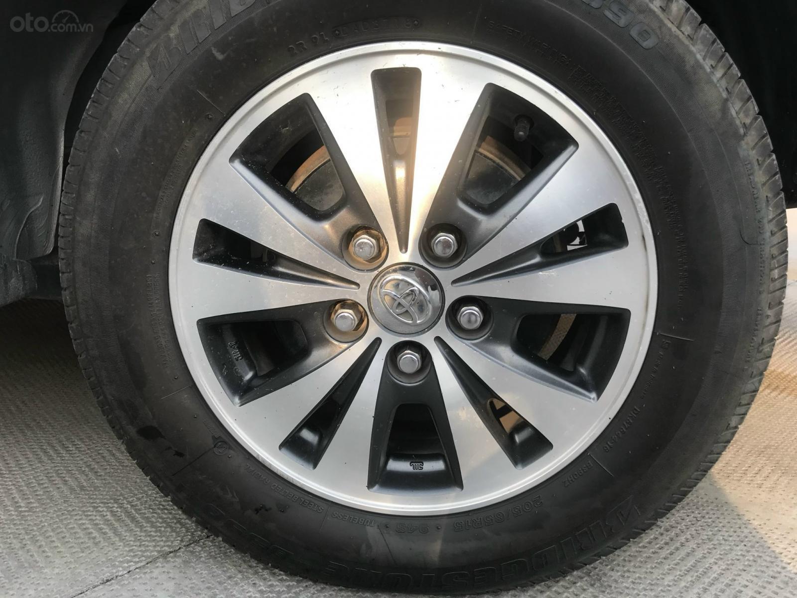 Bán Toyota Innova số sàn 2015 - xe qua sử dụng đã kiểm định chất lượng (4)