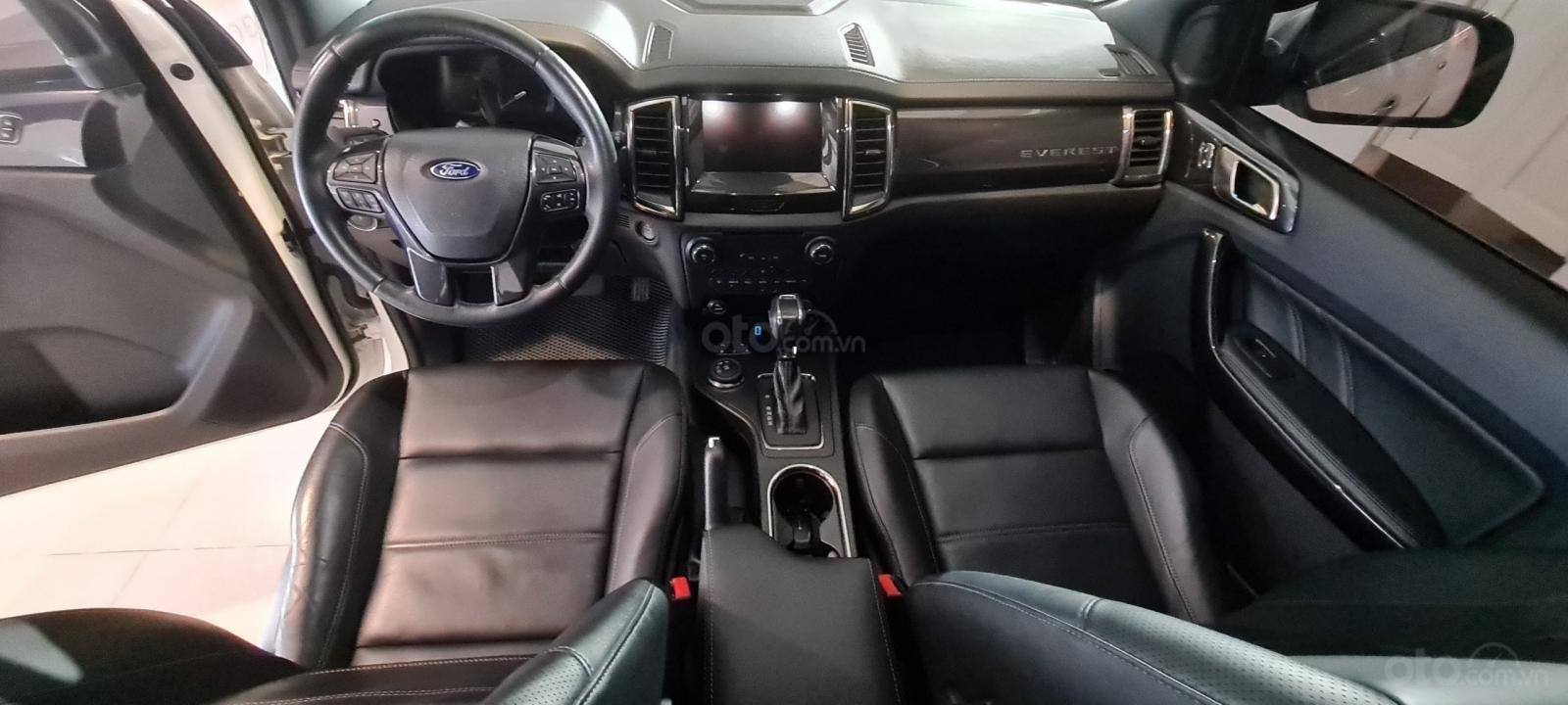 Ford Everest Titanium Biturbo 2019 trắng, xe đẹp cho mọi người (8)