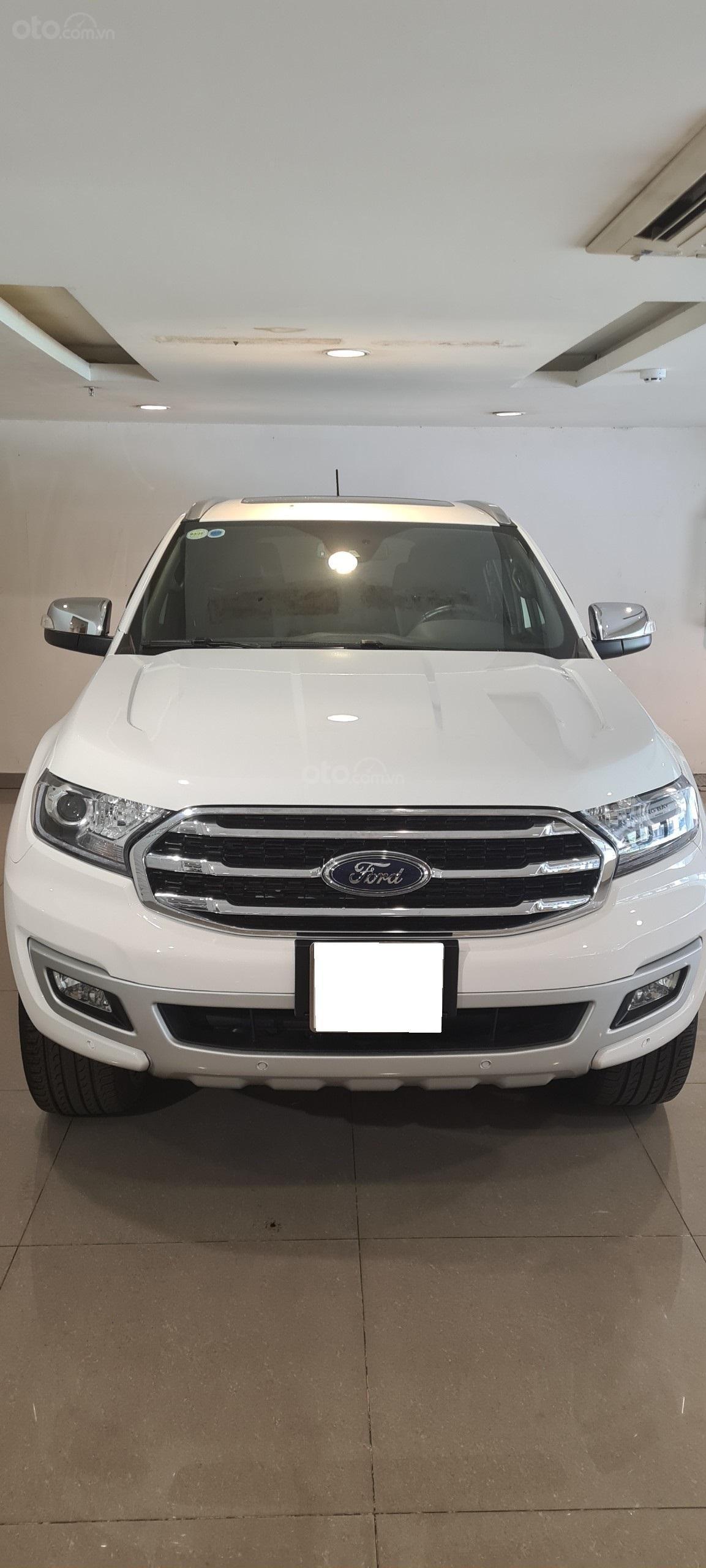 Ford Everest Titanium Biturbo 2019 trắng, xe đẹp cho mọi người (1)