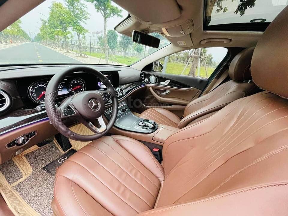 Bán ô tô Mercedes E250 model 2018, màu đen, một chủ từ đầu, biển vip (5)