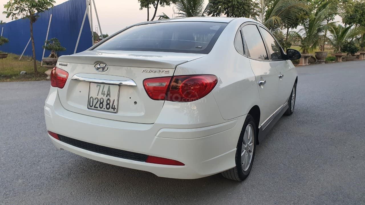 Bán xe Hyundai Avante 2014, màu trắng (3)