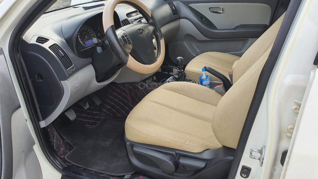 Bán xe Hyundai Avante 2014, màu trắng (4)