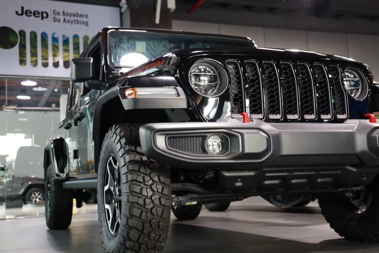 Giá xe Jeep Gladiator mới nhất tại Việt Nam.
