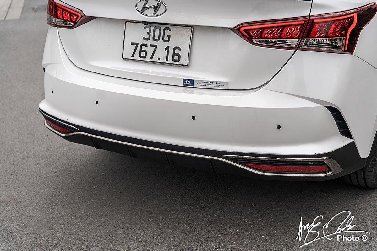 Cảm biến lùi trên Hyundai Accent 2021.