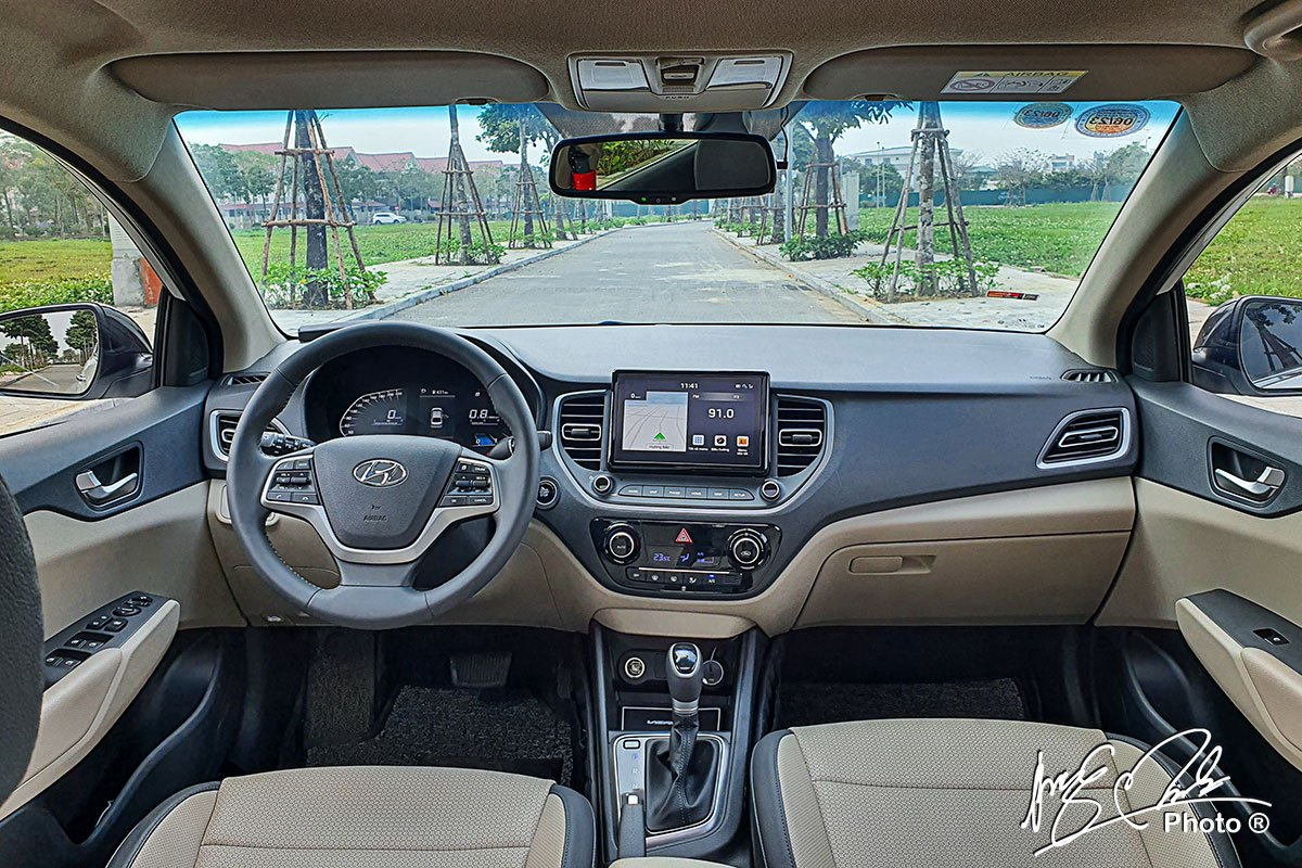Ảnh Khoang lái xe Hyundai Accent 2021