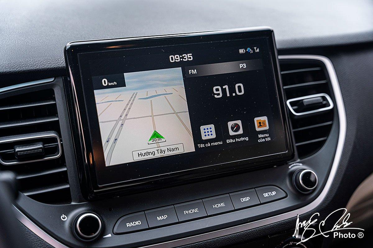 Màn hình giải trí 8 inch trên Hyundai Accent 2021.