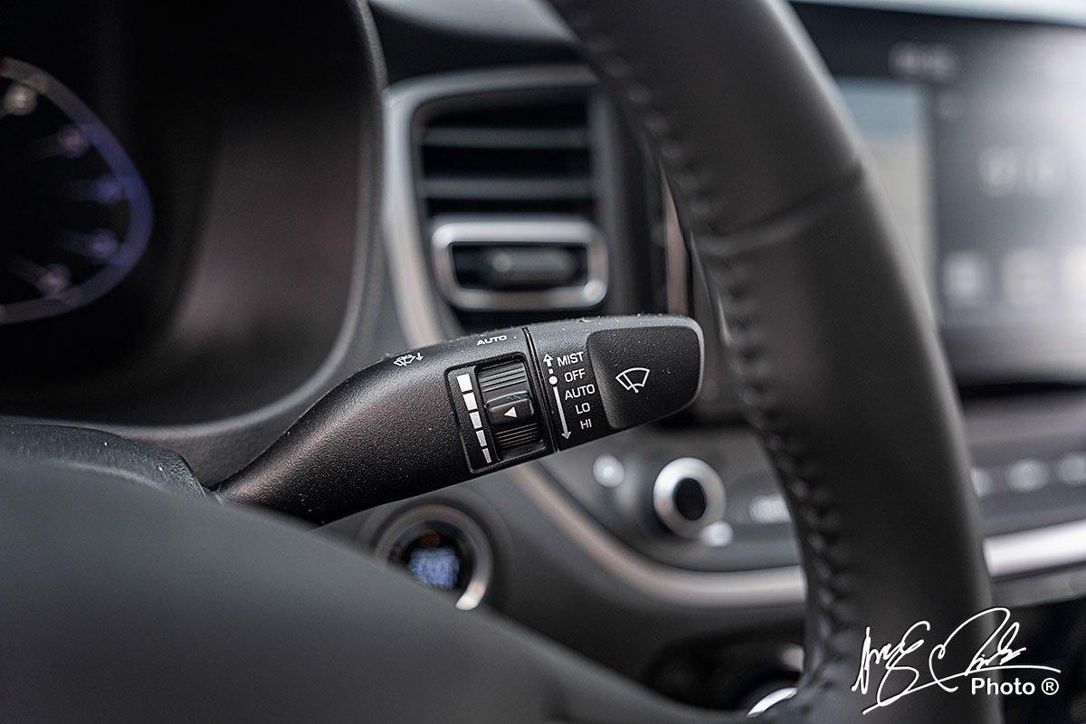 Gạt mưa tự động trên Hyundai Accent 2021.