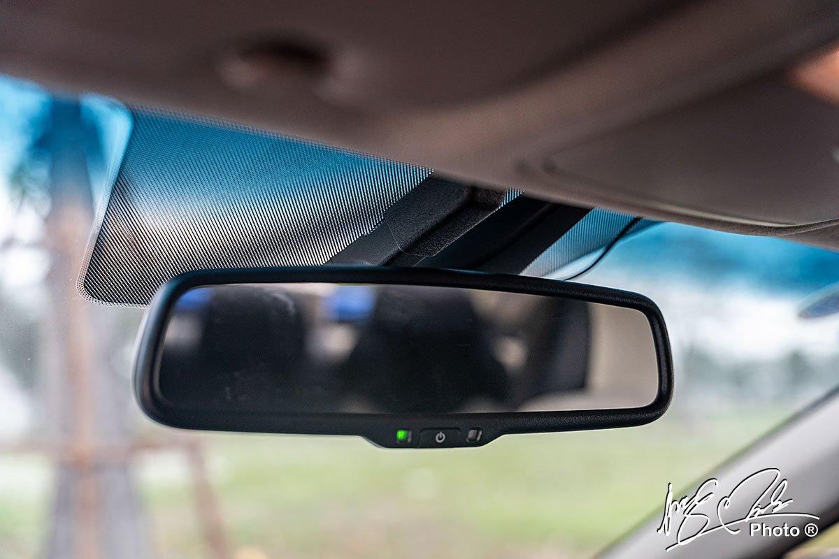 Gương chống chói tự động trên Hyundai Accent 2021.
