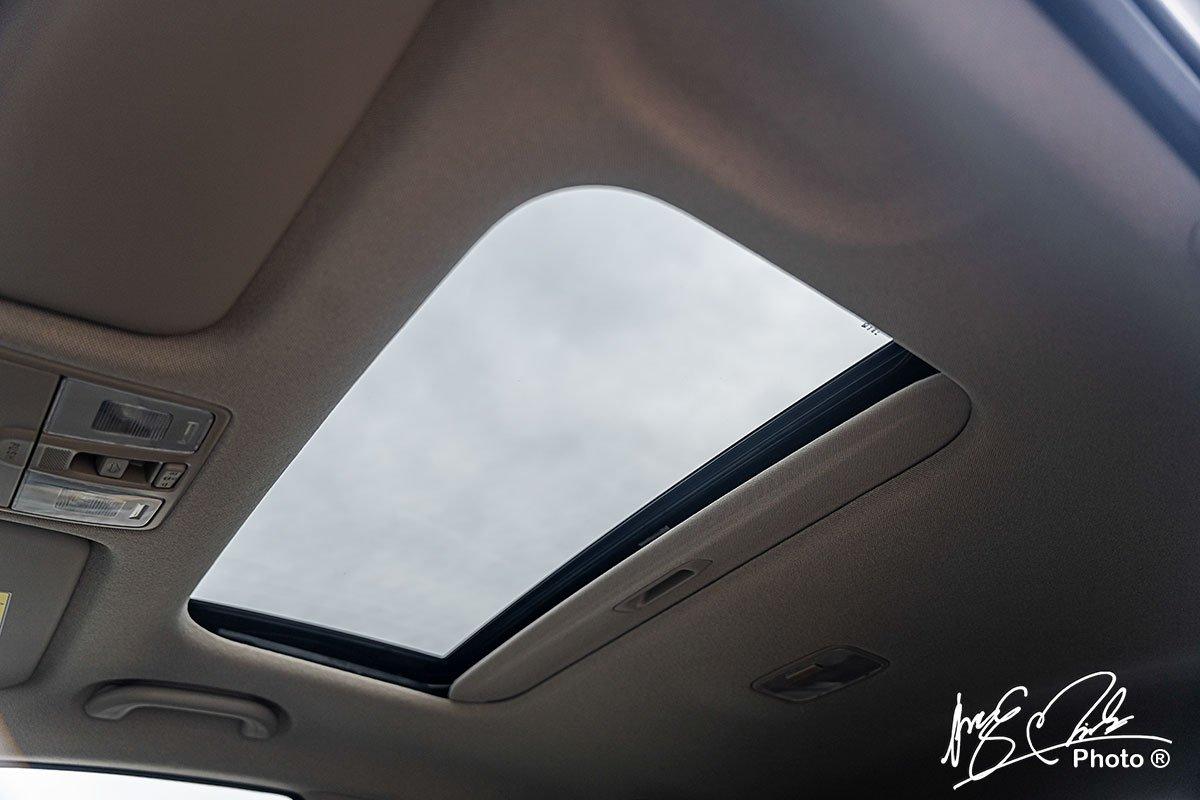 Cửa sổ trời trên Hyundai Accent 2021.